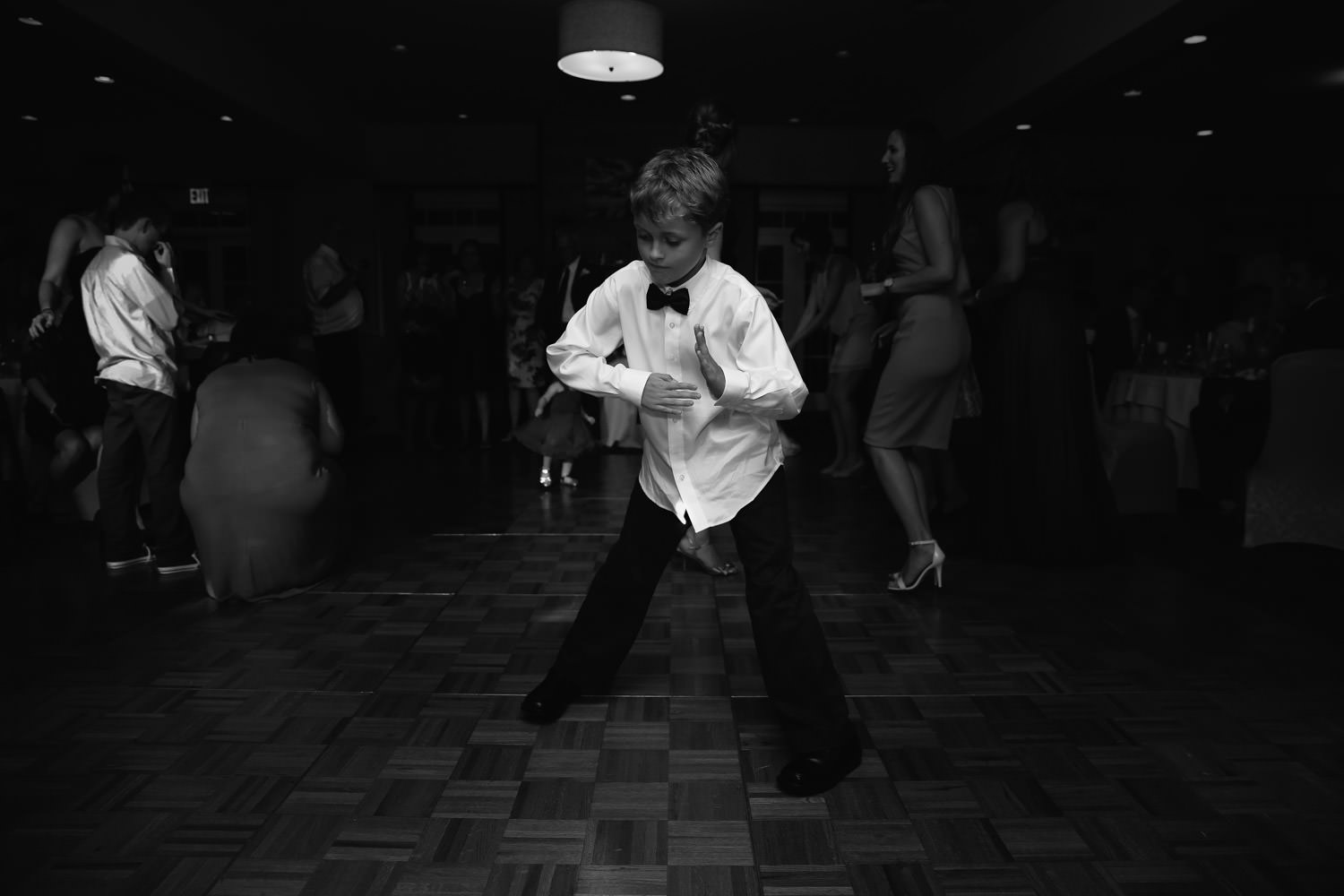 dance moves at a wedding