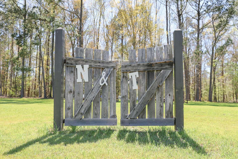 wedding gate details