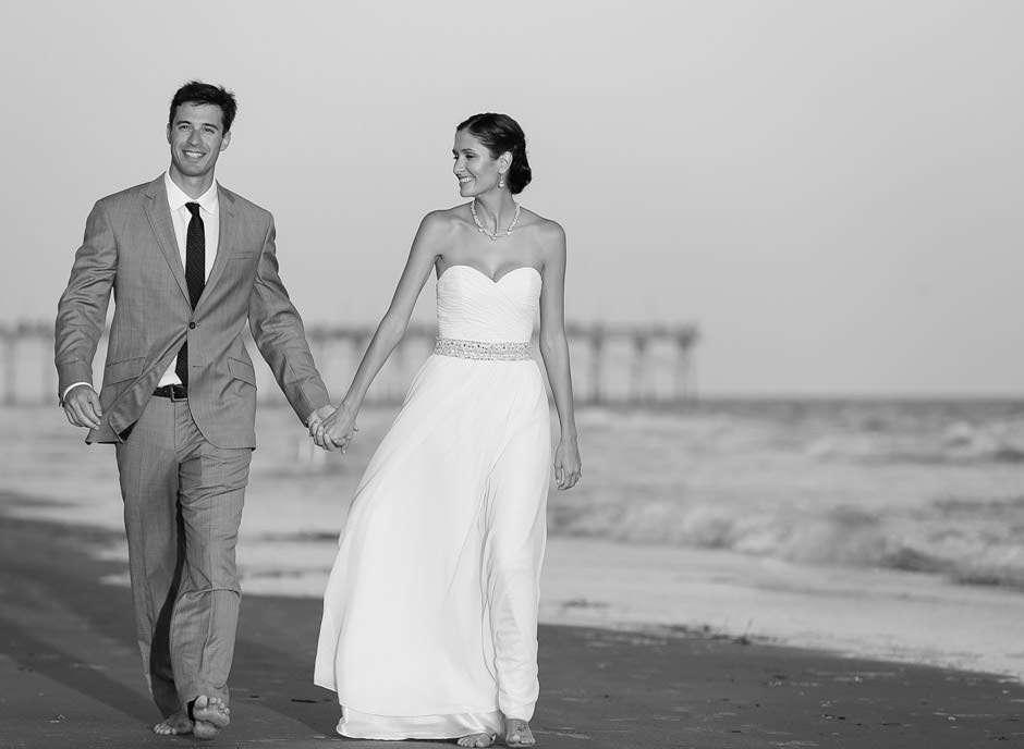 top figure right wedding photographer