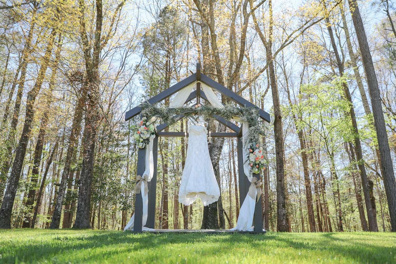 wedding dress at the barn at rock creek